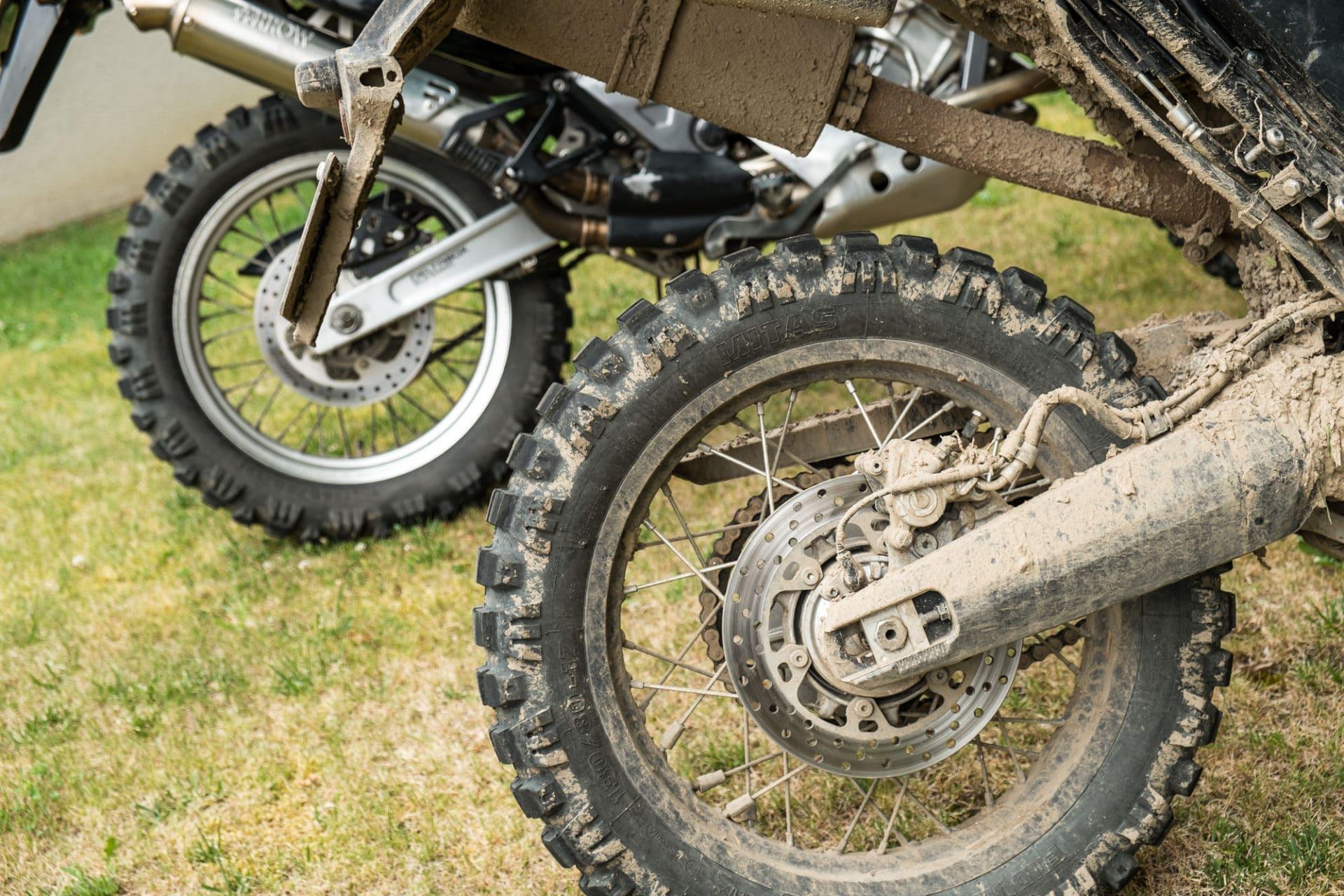 O que é pneu moto