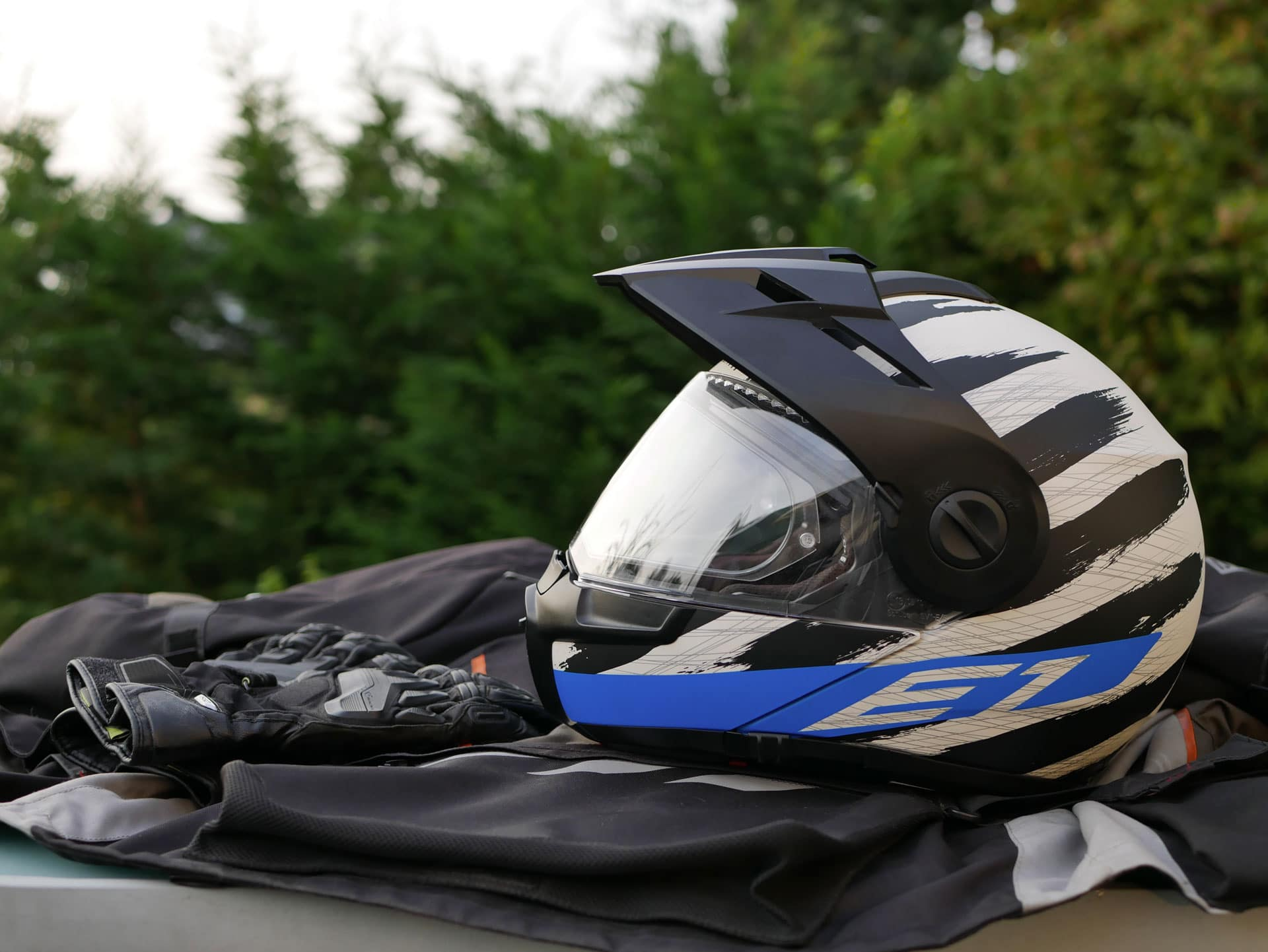 test longue dur e du casque schuberth e1 le meilleur casque dual sport motard adventure. Black Bedroom Furniture Sets. Home Design Ideas