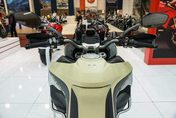 les nouveaut s trail 2017 2018 au salon moto de bruxelles motard adventure. Black Bedroom Furniture Sets. Home Design Ideas